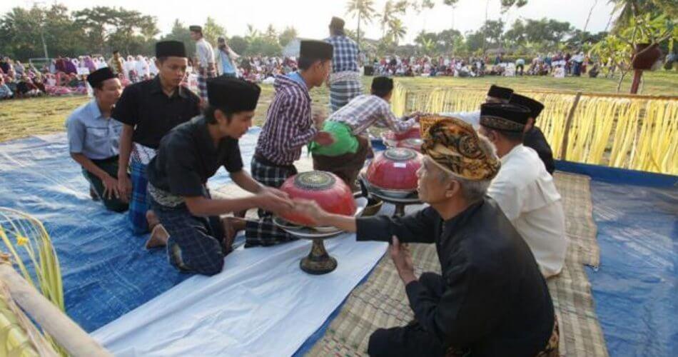 Ngejot-Tradisi Hari Raya dan Wujud Toleransi Antaragama-SuratKabar