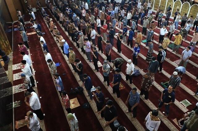 Ibadah di Masjid saat Pandemi Covid-19 Agama atau Aturan