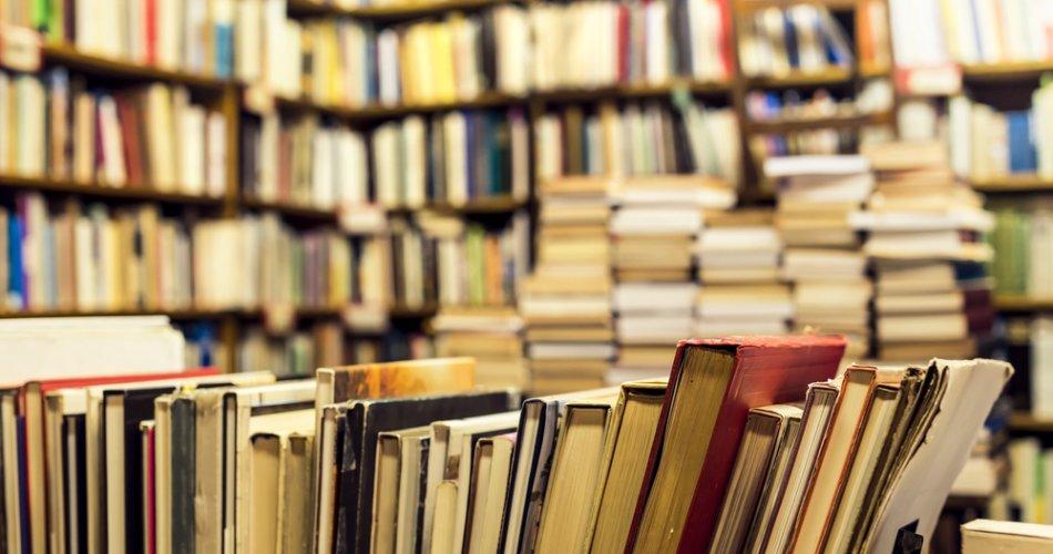 Karma Seorang Peminjam Buku