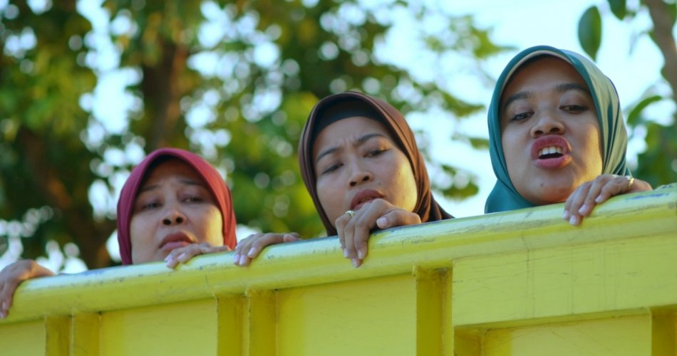 Potret Keseharian Masyarakat Kita dalam 'Tilik': Ravacana Film