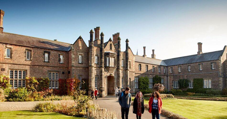 kuliah di kampus swasta