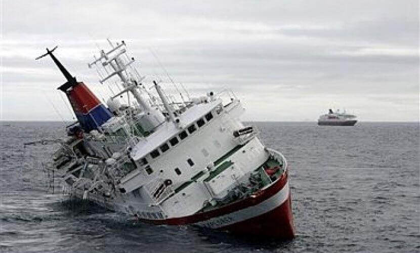 Bongkar Cara Menyelamatkan Diri Ketika Kapal Tenggelam