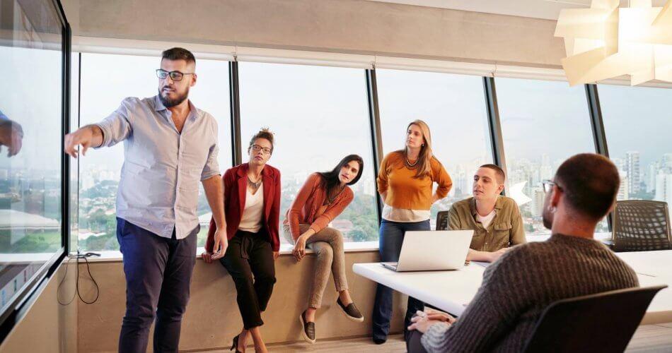 3 Langkah Elegan untuk Mengatasi Orang-orang dengan Kinerja Buruk: LinkedIn