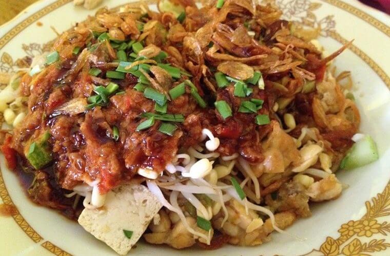 Nasi Lengko Khas Cirebon, Menu Diet Murah yang Cocok untuk Vegetarian