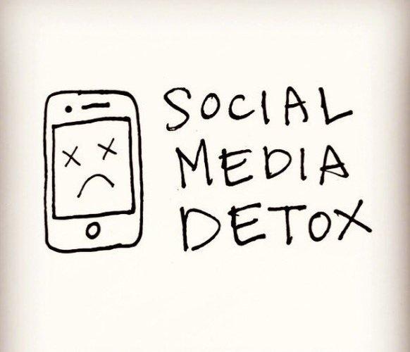 Detox Sosial Media: Sebuah Langkah Mencintai Diri Sendiri