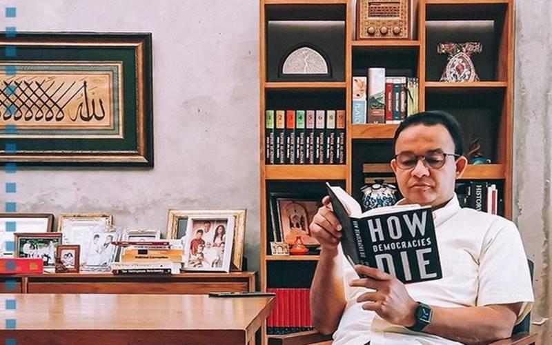 Milenial Harus Tahu Isi Buku Viral : How Democracy Die