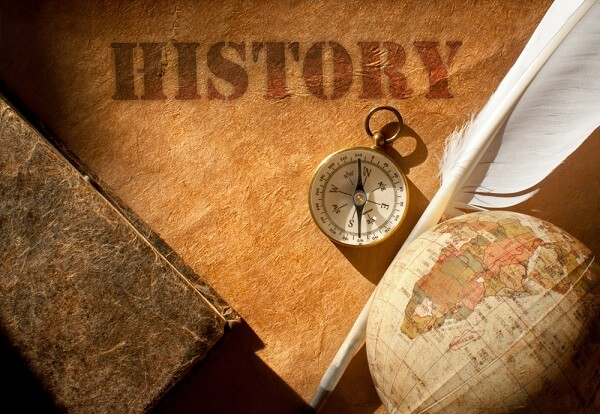 Meragukan Konstruk Kesejarahan Kita